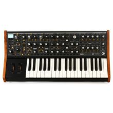 Синтезатор Moog Sub 37